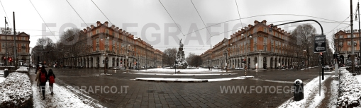 Torino, Piazza Statuto sotto la neve