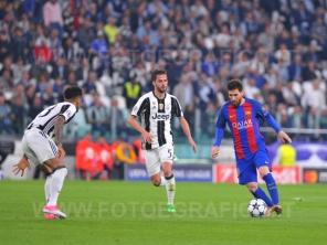 TORINO, ITALIA 11 aprile 2017 - JUVENTUS STADIUM Champion's League 2016/2017 Quarti di finale - JUVENTUS vs. BARCELLONA NELLA FOTO: Lionel Messi in azione