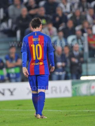 TORINO, ITALIA 11 aprile 2017 - JUVENTUS STADIUM Champion's League 2016/2017 Quarti di finale - JUVENTUS vs. BARCELLONA NELLA FOTO: la delusione di Messi