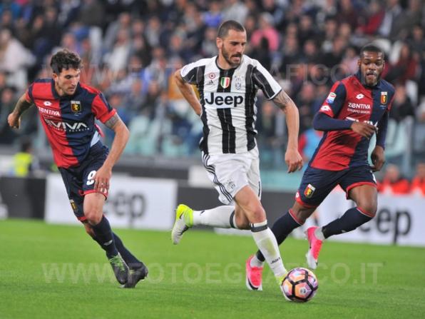 TORINO, ITALIA 23 APRILE 2017 - JUVENTUS STADIUM Campionato Serie A Tim 2016/2017 33a giornata - JUVENTUS vs. GENOA NELLA FOTO: il gran gol di Bonucci