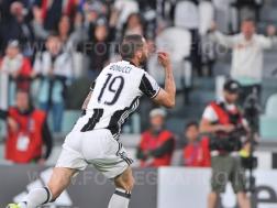 TORINO, ITALIA 23 APRILE 2017 - JUVENTUS STADIUM Campionato Serie A Tim 2016/2017 33a giornata - JUVENTUS vs. GENOA NELLA FOTO: l'esultanza di Bonucci
