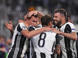 TORINO, ITALIA 9 maggio 2017 - JUVENTUS STADIUM Champion's League 2016/2017 Semifinale - JUVENTUS vs. MONACO NELLA FOTO:l'esultanza della Juve
