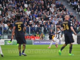 TORINO, ITALIA 9 maggio 2017 - JUVENTUS STADIUM Champion's League 2016/2017 Semifinale - JUVENTUS vs. MONACO NELLA FOTO: il gol di Dani Alves