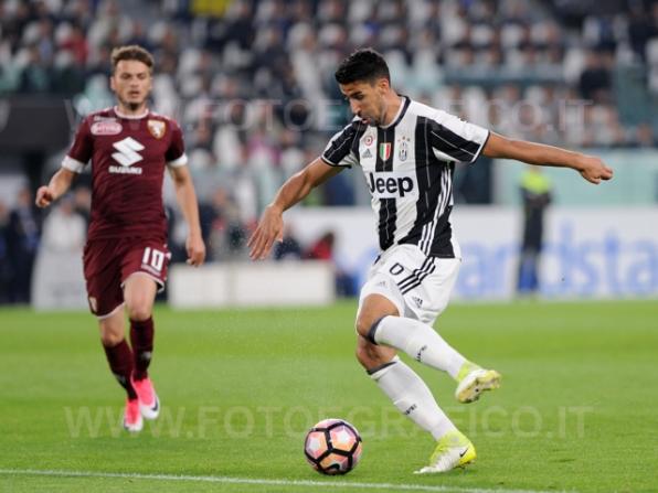 TORINO, ITALIA 6 MAGGIO 2017 - JUVENTUS STADIUM Campionato Serie A Tim 2016/2017 35a giornata - JUVENTUS vs. TORINO NELLA FOTO: Khedira in azione
