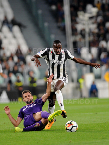 TORINO, ITALIA 20 settembre 2017 - ALLIANZ STADIUM Campionato Serie A Tim 2017/2018 4a giornata - Juventus vs. Fiorentina NELLA FOTO: contrasto su Matuidi