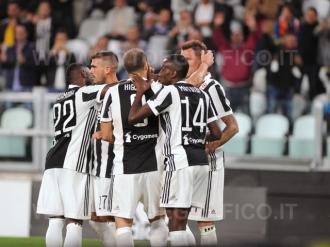 TORINO, ITALIA 20 settembre 2017 - ALLIANZ STADIUM Campionato Serie A Tim 2017/2018 4a giornata - Juventus vs. Fiorentina NELLA FOTO: l'esultanza della Juve