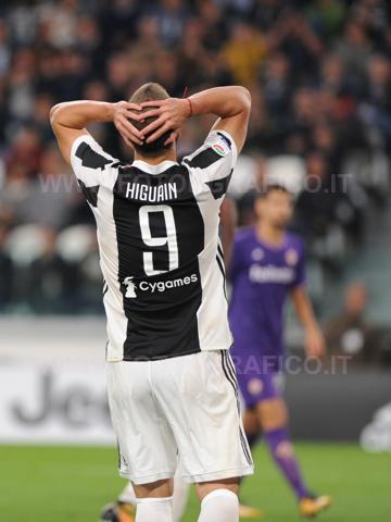 TORINO, ITALIA 20 settembre 2017 - ALLIANZ STADIUM Campionato Serie A Tim 2017/2018 4a giornata - Juventus vs. Fiorentina NELLA FOTO: Higuain disperato per un errore