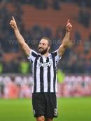 MILANO, ITALIA 28 ottobre 2017 - STADIO LUIGI MEAZZA SAN SIRO Campionato Serie A Tim 2017/2018 11a giornata - MILAN VS JUVENTUS NELLA FOTO: l'esultanza di Higuain